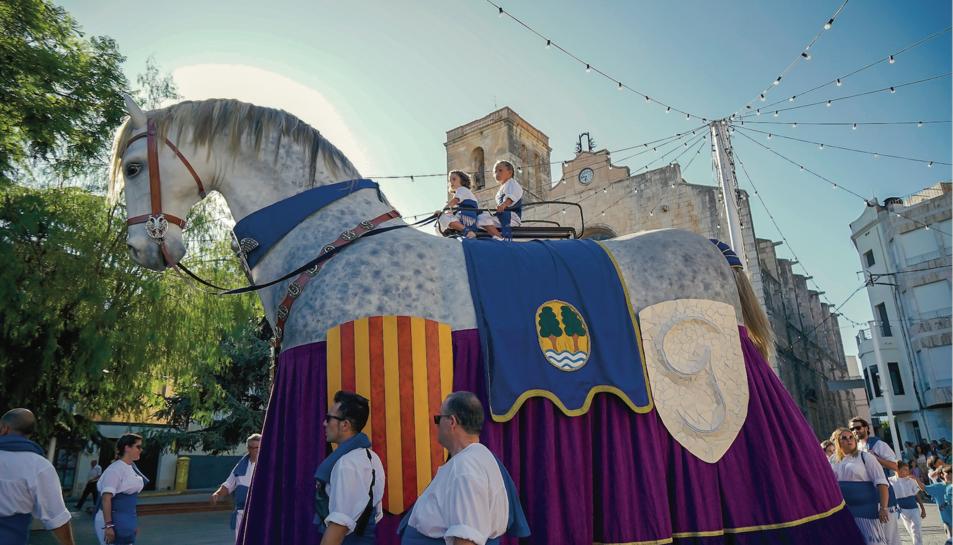 El Cavall dels Nebot va copsar, novament, l'atenció de riudomencs i forans durant el seguici.