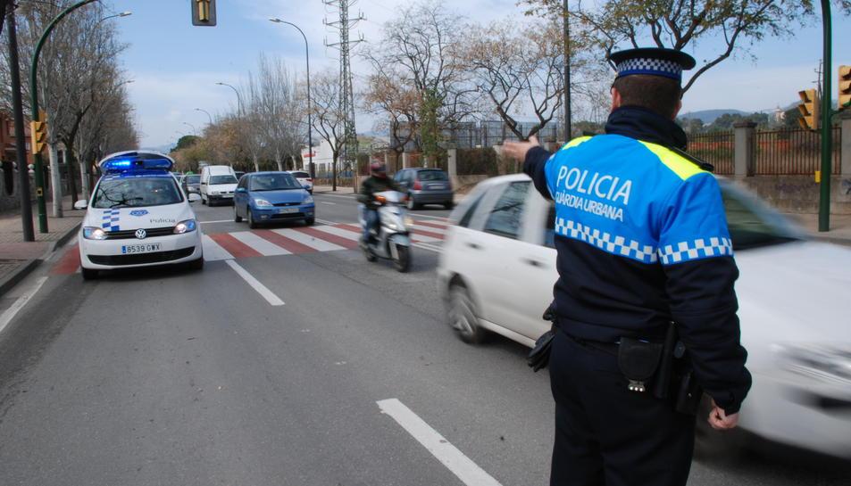 Imatge d'arxiu d'agents de la Guàrdia Urbana de Reus de la Unitat de Seguretat Viària.