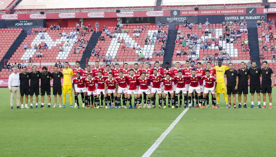 Els jugadors que van ser presentats com a futbolistes del primer equip tarragoní i el cos tècnic.