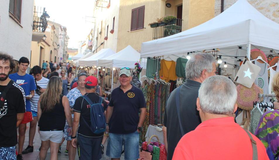 La Fira Creixell s'ha celebrat pels carrers del nucli antic.