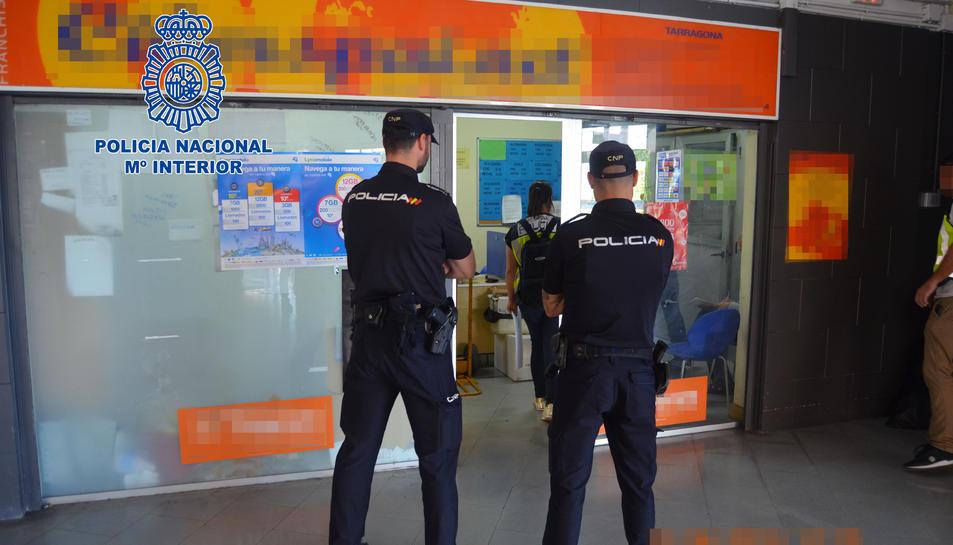 Dos dels arrestats s'han enxampat a Tarragona i el tercer a Lleida.