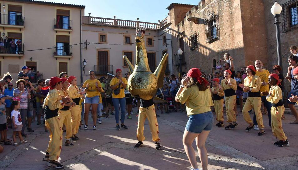 L'Aligueta és un dels elements de la cultura popular tarragonina que participa de la festa a Ferran.