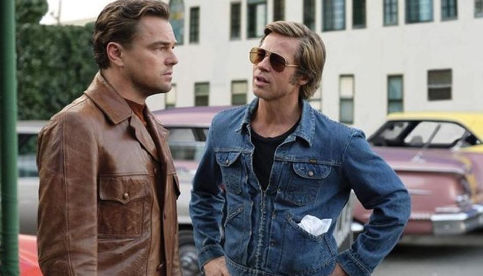 Brad Pitt i Leonardo DiCaprio en una de les escenes d''Érase una vez en... Hollywood' de Quentin Tarantino.