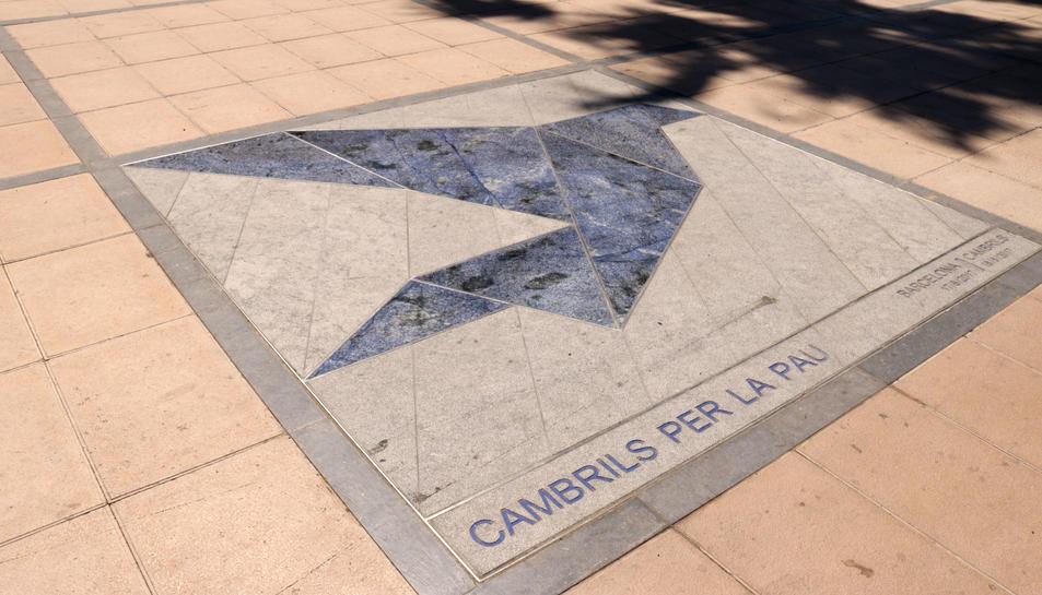 Imatge del memorial del Passeig Marítim de Cambrils en homenatge a les víctimes.