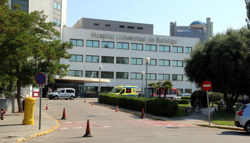 Imatge de l'entrada principal de l'Hospital de Bellvitge.