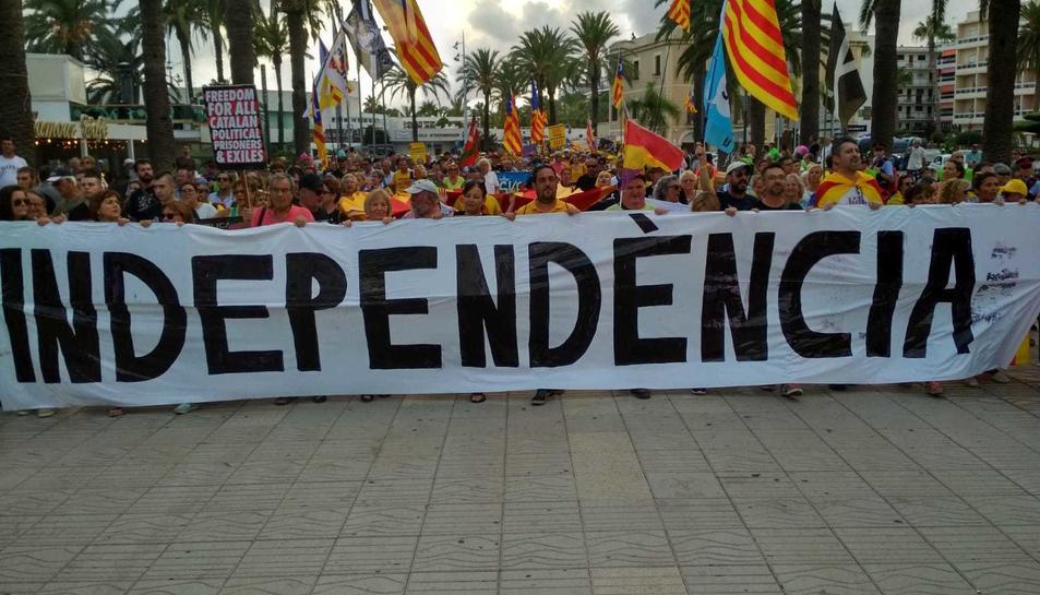 Imatge de la manifestació al Jaume I.