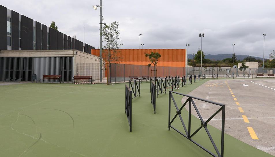 Aquesta àrea està destinada per a deixar els nens sense arribar a estacionar el vehicle.
