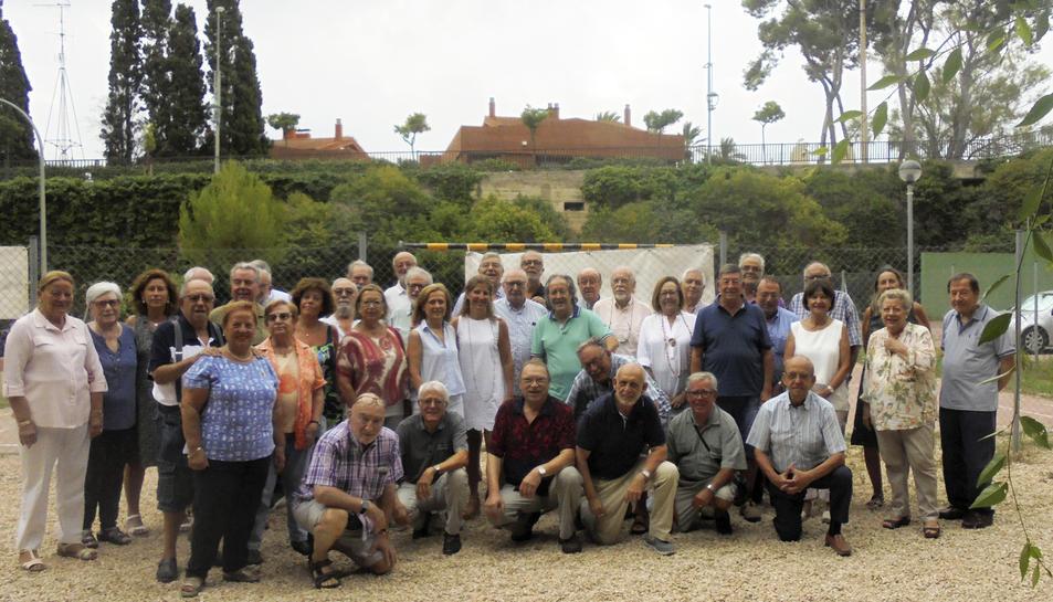 Fotografia de grup dels assistents a l'esmorzar de Tarragona Antiga per Sant Magí.