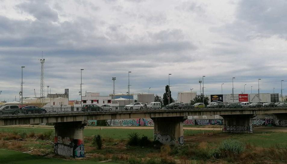 L'avinguda Ramón i Cajal ha comptat amb llargues cues.