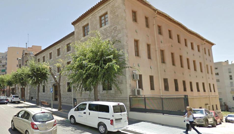 Seu de l'IMET a l'avinguda Ramon i Cajal.