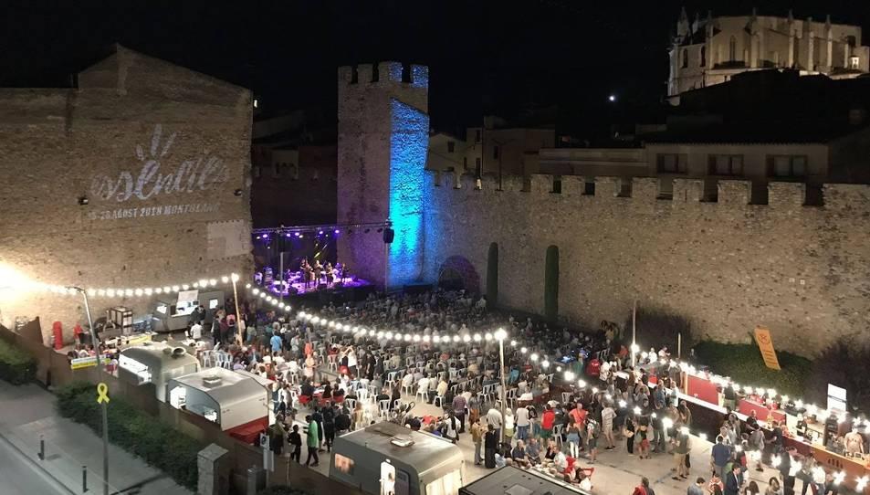Les muralles de Montblanc serveixen com a teló de fons d'aquest festival.