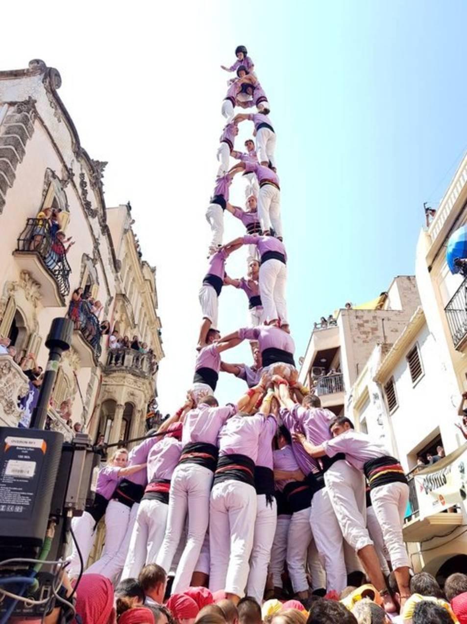 El 3 de 9 amb folre de la Colla Jove de Tarragona.