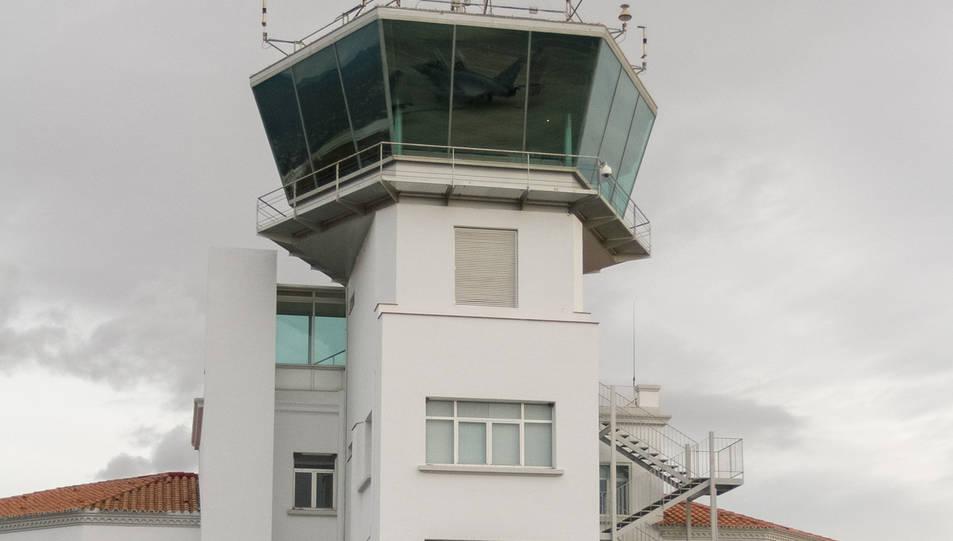 Una imatge d'arxiu de la torre de control de Reus.