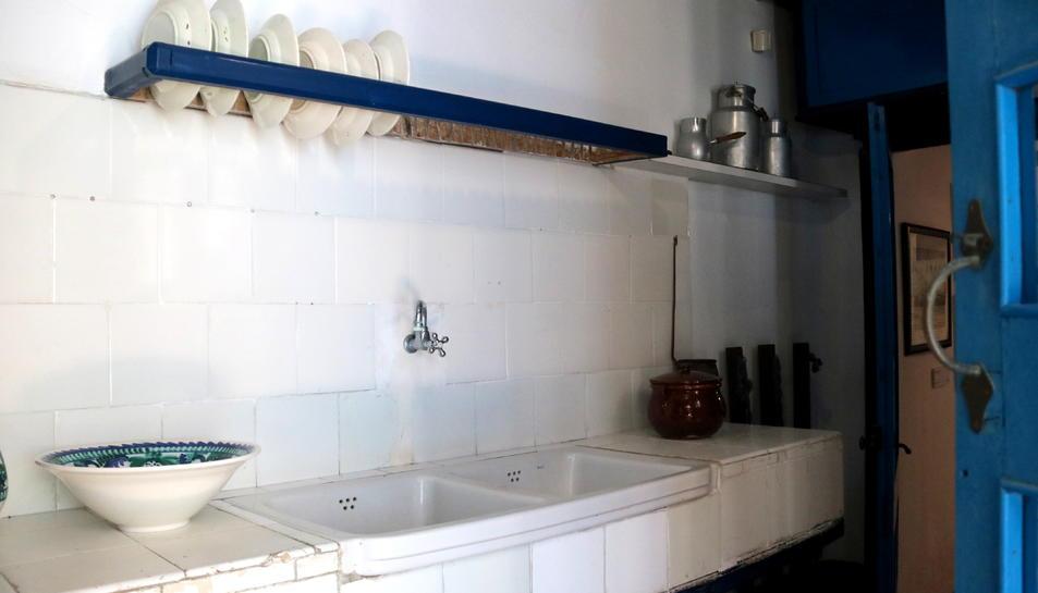 Pla obert de la cuina de la Casa Barral, pendent de reforma dins la museïtzació de la finca. Imatge del juliol del 2019 (horitzontal)