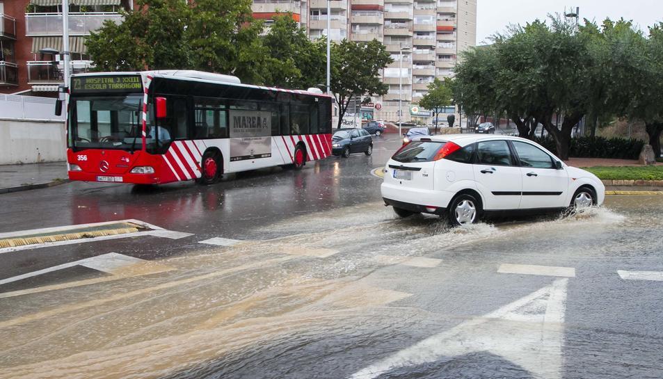 Carrers inundats a Tarragona.