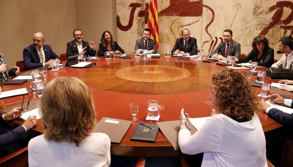 Pla obert de la taula del Consell Executiu del 27 d'agost del 2019 amb el president Torra i els consellers.