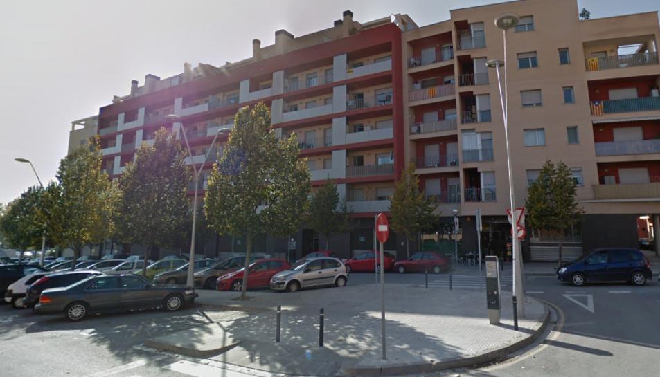L'incendi ha tingut lloc al carrer Prat de la Riba de Valls.