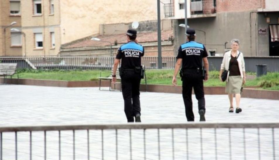 Dos policies municipals a Lleida.
