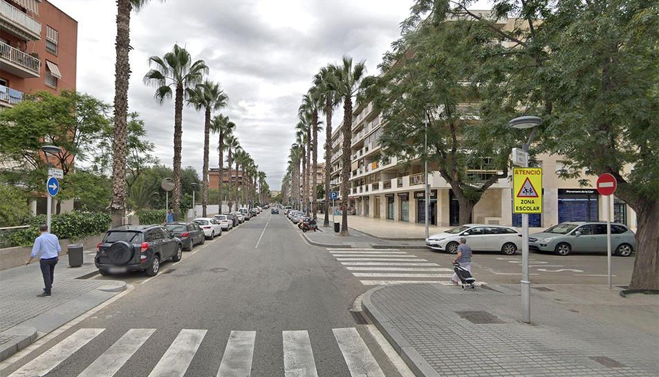 Els fets s'han produït al carrer Barcelona de Salou.