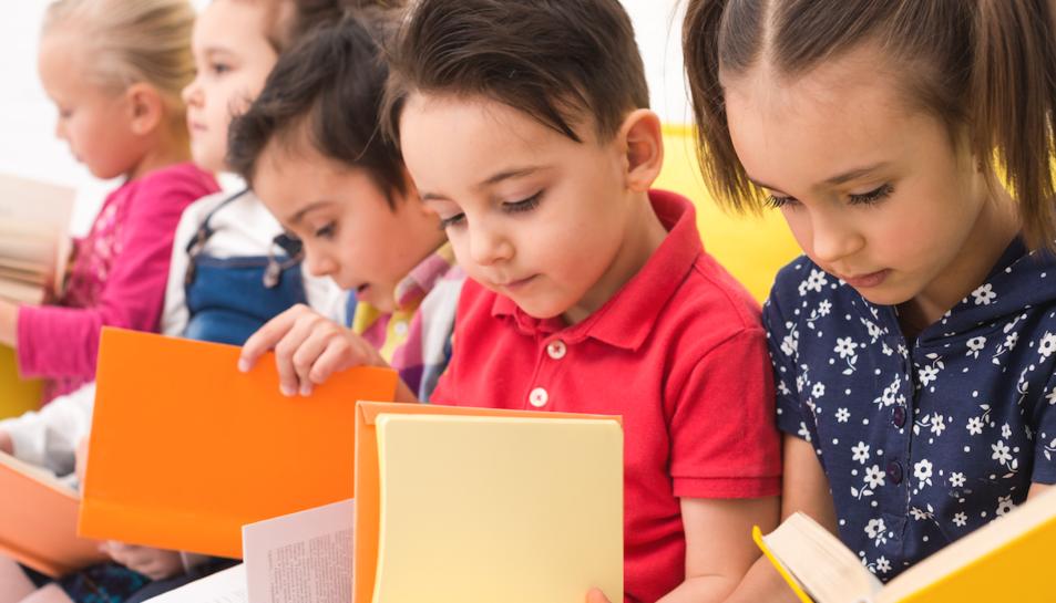 Imatge d'infants a l'escola.