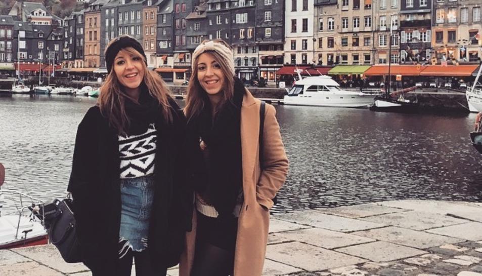 Beatriz i Cristina, que són idèntiques, van cursar alhora el grau.