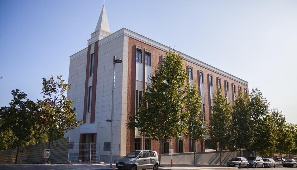 Aspecte que ofereix la façana principal de la capella, al carrer Doctor Mallafré.
