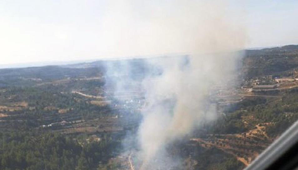 Imatge aèria de l'incendi forestal a Cervià de les Garrigues.