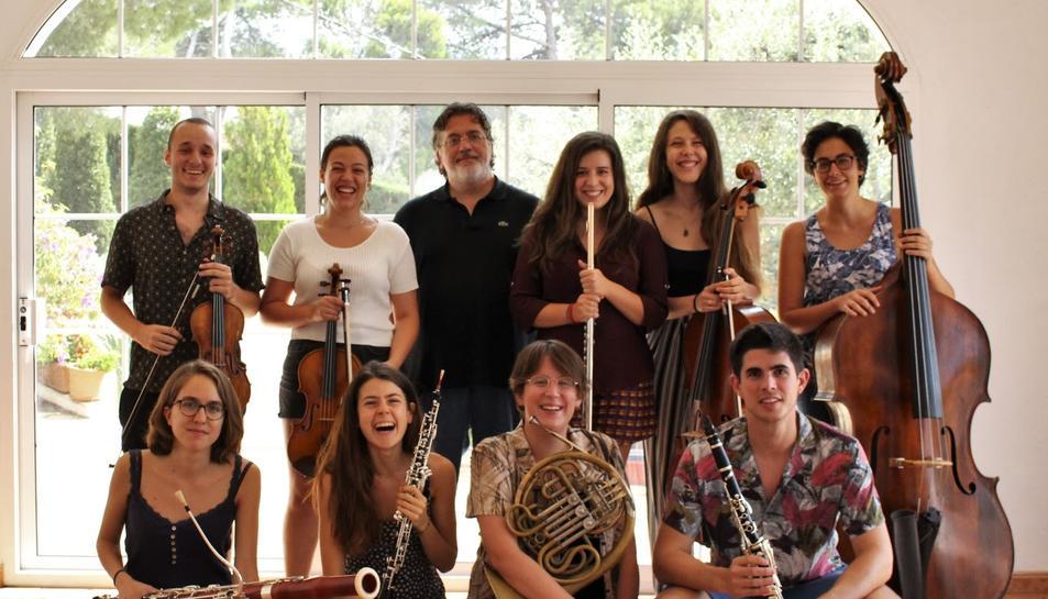 Bärhof Ensemble està format per nou membres que surten de la JONC.