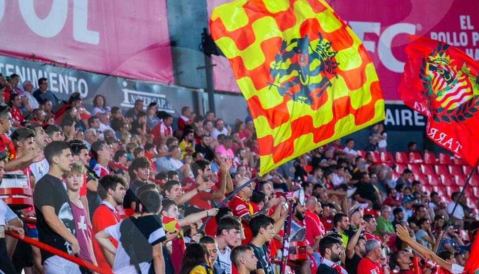 L'afició durant el Nàstic-Andorra