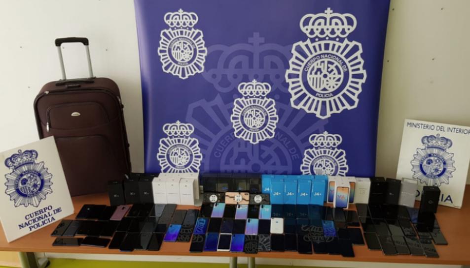 Imatge d'alguns dels dispositius robats.