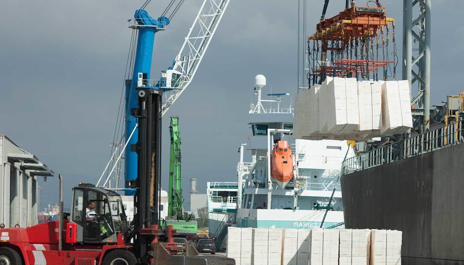 Actualment, el Port de Tarragona mou unes 600.000 tones (2018) de pasta de paper i derivats.