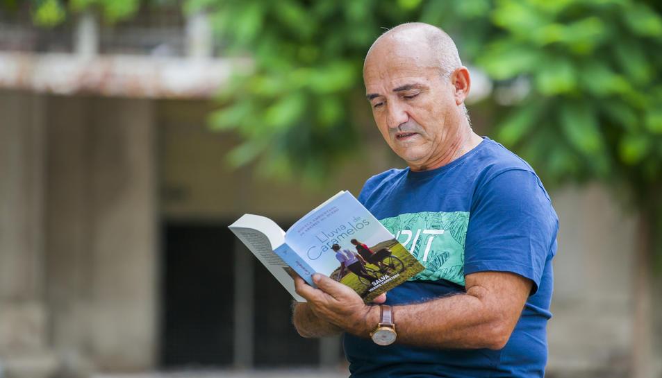 Salva Vicente és fill d'Arribes del Duero, però viu a Tarragona des de fa molts anys.