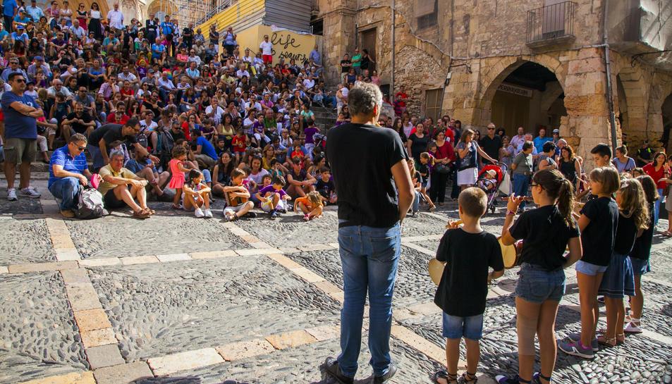 L'Entradeta de Músics va ser seguida per un nombrós públic que va voler veure els petits intèrprets.