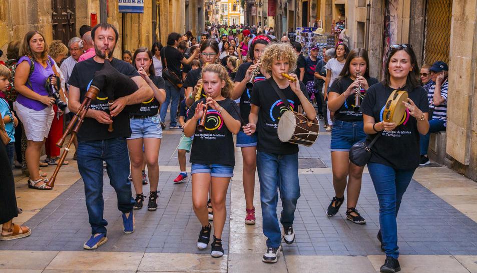 Detall de l'activitat musical d'ahir als carrers de la Part Alta.