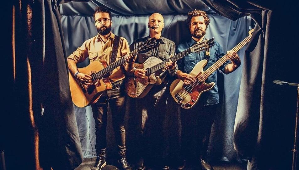 Marc Parrot estarà acompanyat dels músics Lluís Cartes i Dani Ferrer.