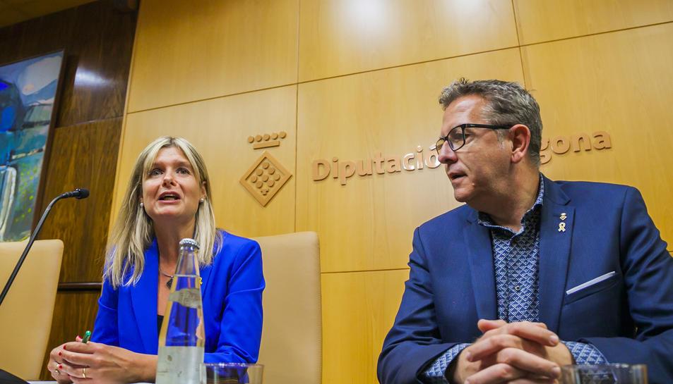 Noemí Llauradó i Joan Talarn, ahir en la roda de premsa que van oferir a la Diputació de Tarragona.