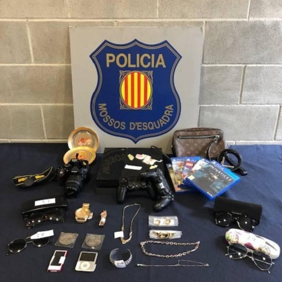 Imatge del material comissat al domicili del detingut.