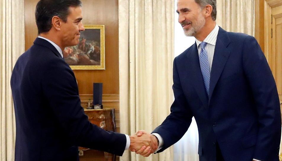 El president del govern espanyol en funcions, Pedro Sánchez, i del rei Felip VI a la ronda de consultes al Palau de la Zarzuela.