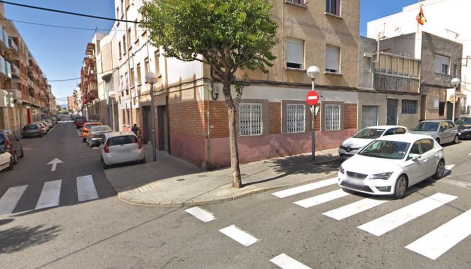 L'accident s'ha produït a l'encreuament entre el carrer Onze i el Vint-i-u.