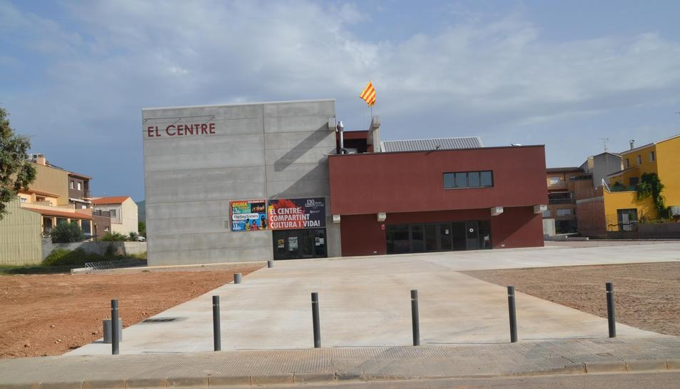 Imatge de la nova seu del Centre de Llorenç del Penedès.