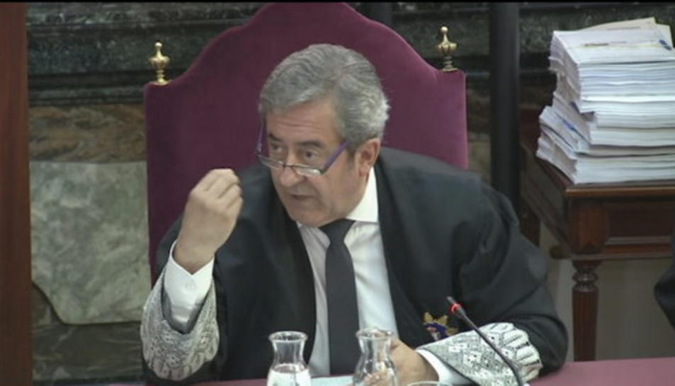 Pla mitjà del fiscal Javier Zaragoza durant l'informe final del ministeri públic al Tribunal Suprem.