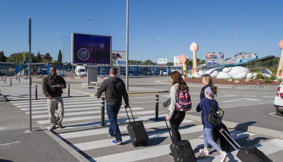 Una imatge d'arxiu de passatgers a l'Aeroport de Reus.