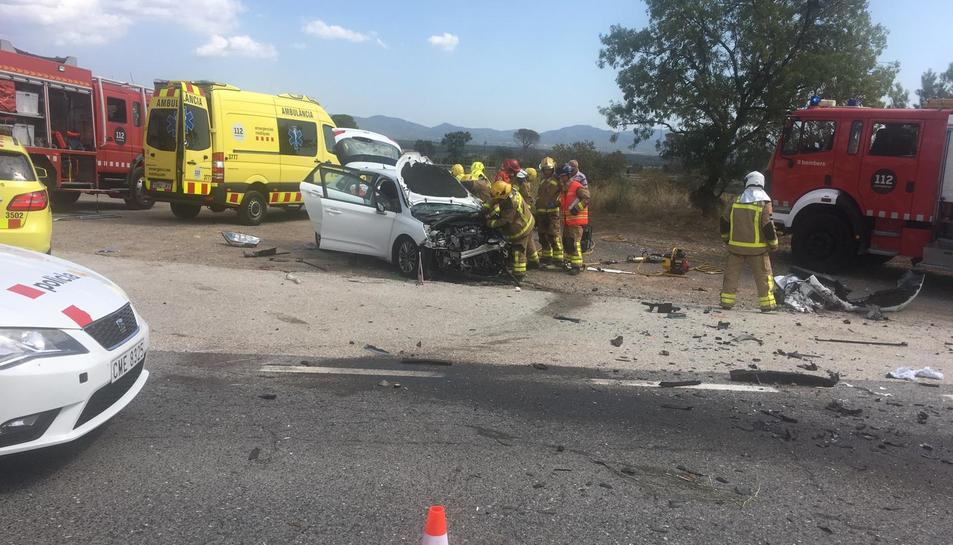 Imatge de l'estat d'un dels dos vehicles implicats en l'accident.