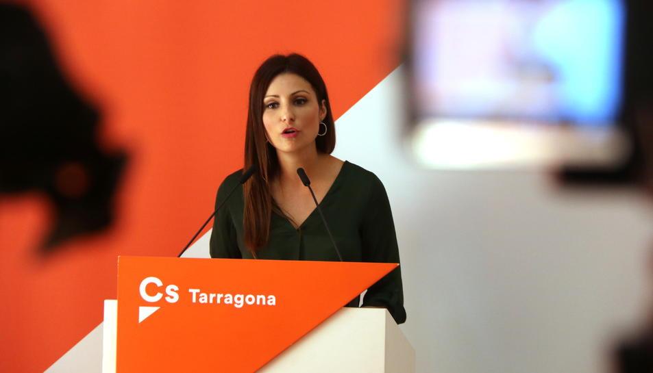 Pla mitjà de la líder de Cs a Catalunya, Lorena Roldán, en roda de premsa des de Tarragona, el 24 de setembre del 2019
