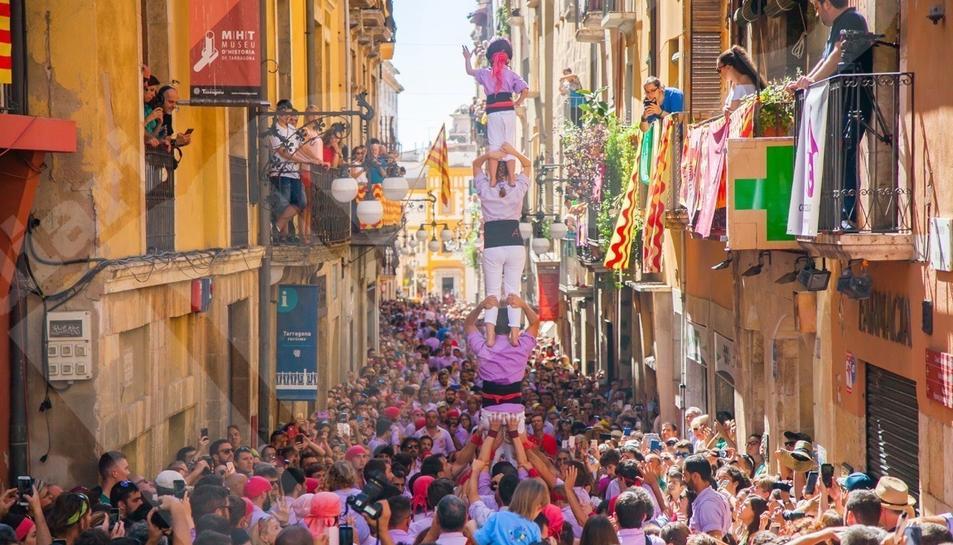 Diada castellera Mercè i pilars caminant (II)