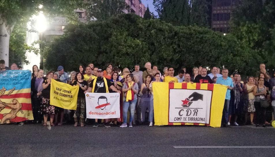 Manifestació davant de la Subdelegació del Govern.