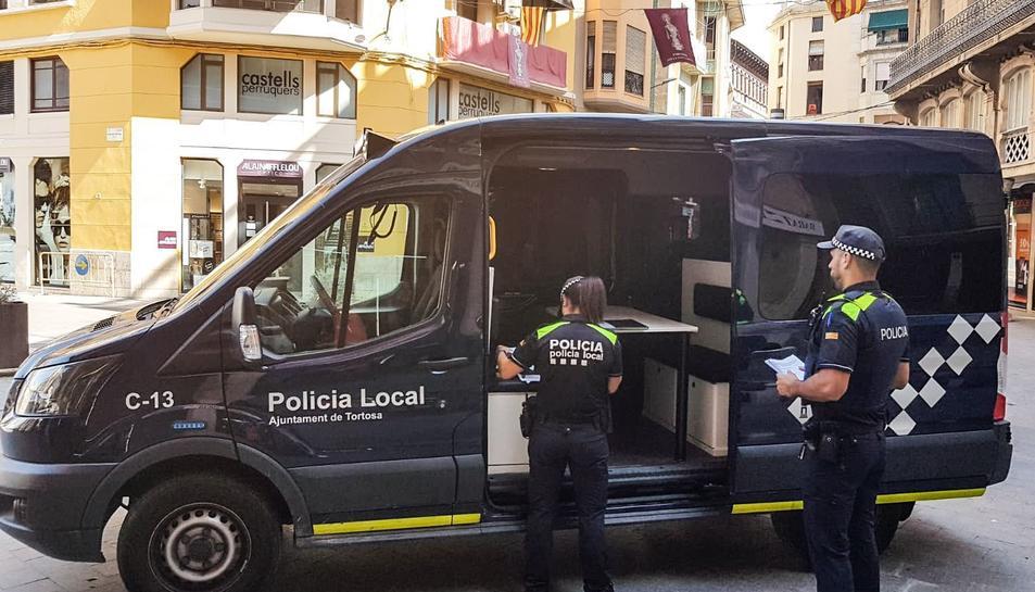 Imatge d'arxiu d'agents de la Policia Local de Tortosa.
