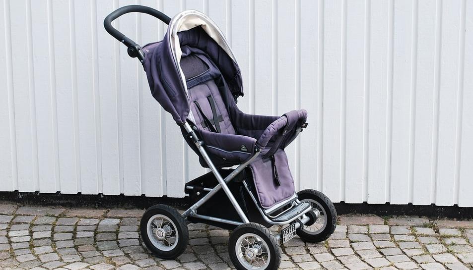 Imatge d'un cotxet de bebè.