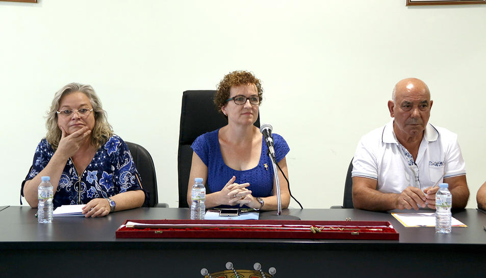 Imatge d'arxiu de l'alcaldessa de la Bisbal del Penedès, al centre, Agnès Ferré.