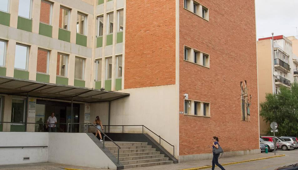 Una imatge d'arxiu de la façana del CAP Sant Pere.